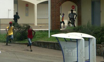 Loi Mayotte : encore du baratin !